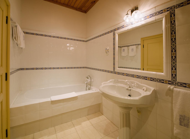 casa de banho quarto amarelo b copy